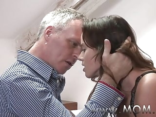milf mature MOM Brunette MILF pleases her man
